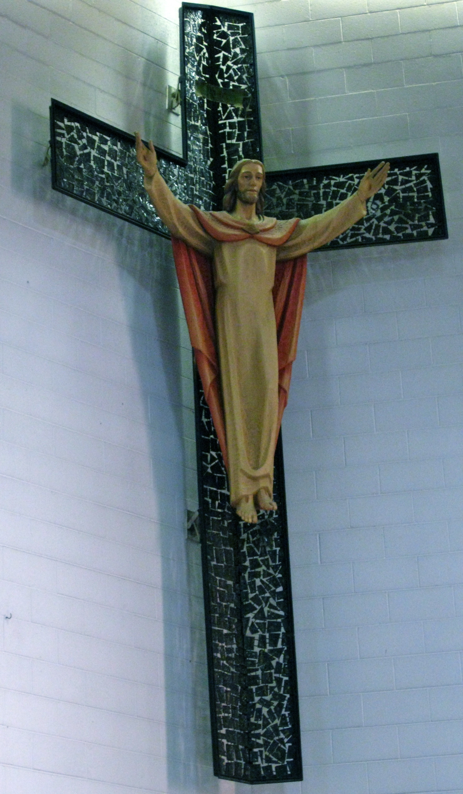 the Crucifix in the main altar